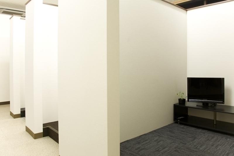 一人一部屋。快適な個室待機室!