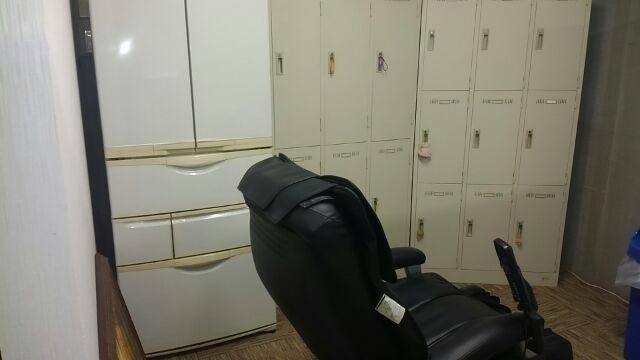 全15のロッカールーム、貴重品などの保管が可能です。